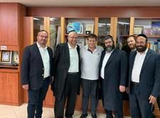 מנהלי המוסדות עם גרינברג בסיום הפגישה