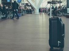 מזוודה בשדה תעופה