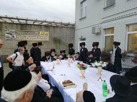 חתונת העסקן הרב אלימלך שוחט בבעלזא, אוקראינה