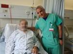 המטופל עם מנהל טיפול נמרץ