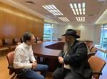 הרב אסמן וכתב 'בחדרי חרדים'