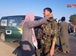 הכורדים מתחבקים עם חיילי אסד