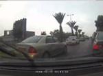 הסוכה עפה לכביש