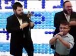 הילד הערבי שר עם בני פרידמן