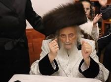 """שמחת בית השואבה אצל גאב""""ד העדה החרדית"""