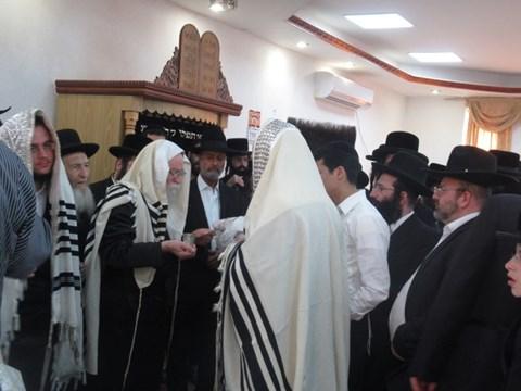 ברית בחצרות תולדות אברהם יצחק - קאלוב