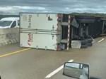 המשאיות שהתהפכו