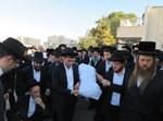 """הלווית הרבנית מרים לאה קרייזווירט ע""""ה בירושלים"""