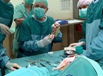 ניתוח שחזור אוזן בילדה בת 11 שנולדה עם מום מולד