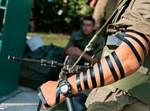 חייל מניח תפילין