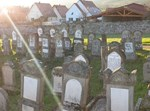 ריסוס צלבי קרס על גבי קברים יהודיים בצרפת