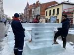 חנוכייה מקרח ברוסיה