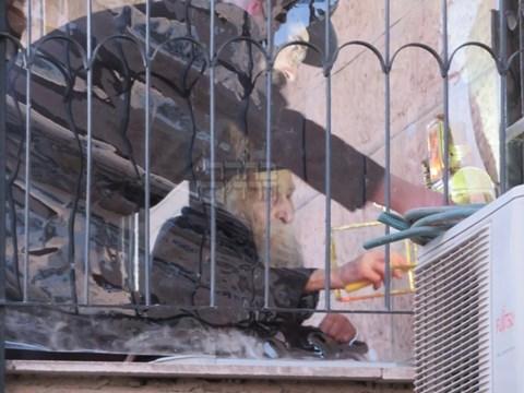 """הגרמ""""ד סולובייצ'יק בהדלקה בבית החדש"""