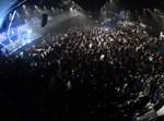 קהל האלפים בסיום בפריז