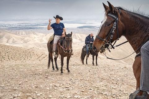 רכיבה על סוסים בנחל אוג