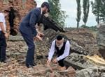עצמות נרצחים שצפות אחרי הגשם בפולין