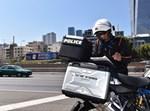 שוטר תנועה בפעולה