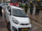 הרכב שנתקע בבור בבני ברק
