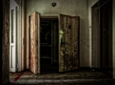 גופותיהם של שלושה ילדים נמצאו בבית