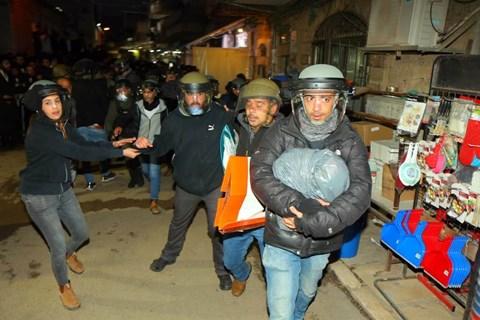 פשיטת שוטרים על מאה שערים