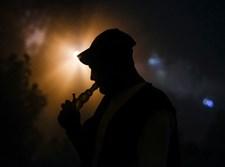 מלחמה בסם: אדם מעשן גראס / אילוסטרציה