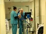 """עובדים בבית החולים רמב""""ם / אילוסטרציה - למצולמים אין קשר לכתבה"""