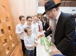 חלוקת פרסים לילדי אבות ובנים במוסקבה