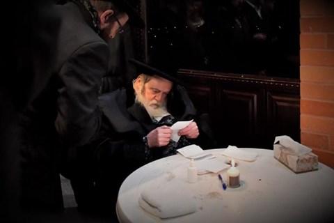 הרבי מתולדות אברהם יצחק שבת שקלים בקערעסטיר