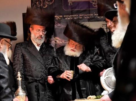 הרבי מתולדות אברהם יצחק בהבדלה