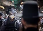 שוטרים בפעולות אכיפה במאה שערים