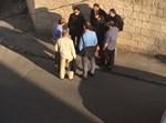 הפקחים סמוך לישיבת מיר בירושלים היום (באדיבות המצלם)