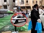 ניידת המשטרה על רקע החלוקה