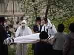 לוויה של נפטר מקורונה בשמגר