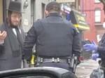 שוטר וחרדי בויליאמסבורג