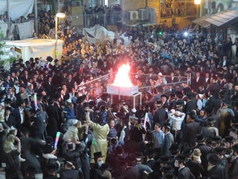 הדלקה בבתי אונגרין בירושלים