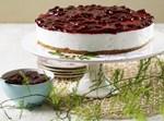 עוגת גבינה וקונפיטורת תות