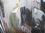 הגנבים בפעולה