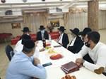 אליהו גינת מתברך אצל הרבנים