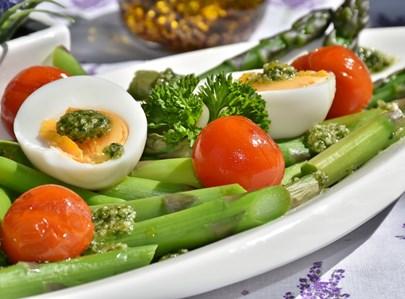ירקות וביצה