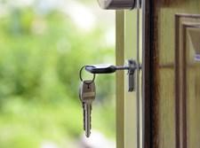 מפתחות על דלת