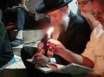 הגר''ד יוסף באמירת קינות בט' באב
