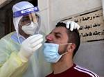נטילת דגימות בבית החולים הפלסטיני סמוך לחברון