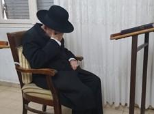 הגרי''ג אדלשטיין בביתו