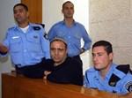 יונה אברושמי בבית משפט ב-2011