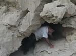 יצחק כרמלי במערת מזגן