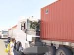 תאונה בין משאיות