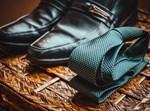 נעליים ועניבה