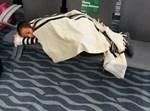 חסידי ברסלב תשושים בשדה התעופה באודסה