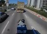 האופנוען בזמן העקיפה