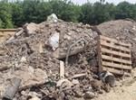 השלכת פסולת בניין במושב גבעתי